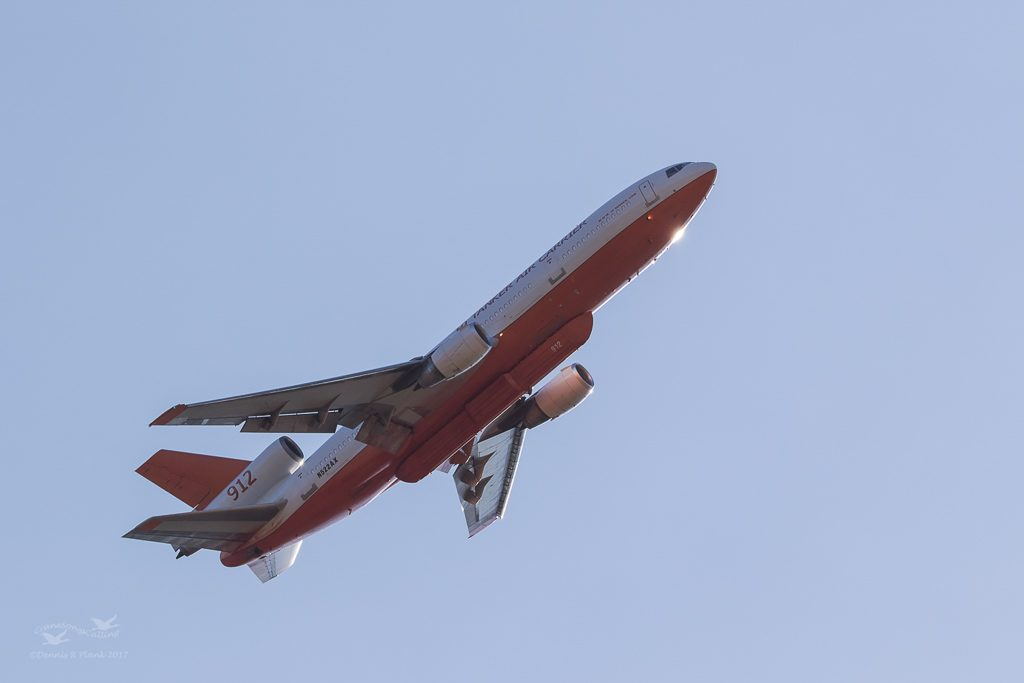DC-10 Adapted for Fire Retardant Dumping Turning for another Pass at the Scatter Creek Fire in 2017.
